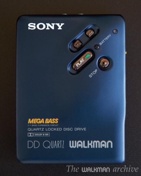 sony_wm-dd33_blue.jpg